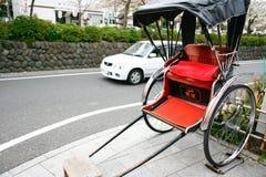 Rickshaw i Kamakura, Japan Arkivfoton