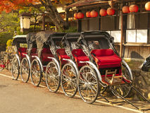 Rickshaws i Japan royaltyfria bilder