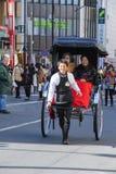 Rickshawvagn på Asakusa Arkivfoto