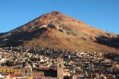 Rico de Cerro et ville de potosì Images stock