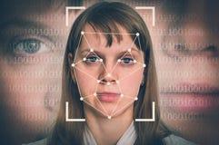 Riconoscimento di fronte della donna - concetto biometrico di verifica fotografia stock