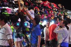 Ricordi da vendere vicino in un mercato nel Vietnam Immagini Stock