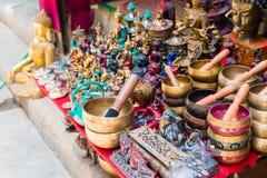 Ricordi nel distretto di Thamel, conosciuto come il centro dell'industria del turismo a Kathmandu, il Nepal fotografia stock