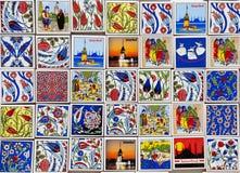 Ricordi variopinti del magnete ad un negozio di ricordo a Costantinopoli, Turchia Fotografia Stock