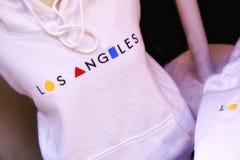 Ricordo di viaggio - maglietta alla moda con il nome della città fotografie stock