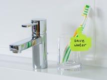 Ricordo per conservare acqua nel bagno immagine stock