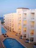 Ricorso delle costruzioni dell'albergo di lusso vicino al mare Fotografia Stock