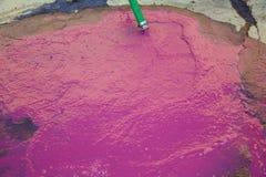 Ricos de la vinaza del vino en ácido tartárico en rosa magenta Imagen de archivo