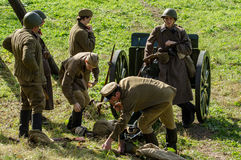 Ricostruzione di una battaglia della guerra mondiale 1941 2 nella regione di Kaluga di Russia Fotografia Stock