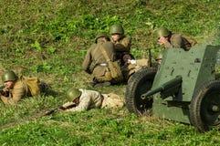 Ricostruzione di una battaglia della guerra mondiale 1941 2 nella regione di Kaluga di Russia Fotografie Stock