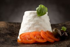 Ricotta干酪用蕃茄 免版税库存图片