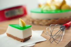 烘烤乳酪蛋糕柠檬没有ricotta 图库摄影
