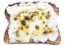 Ricottapistaschrostat bröd Arkivbilder