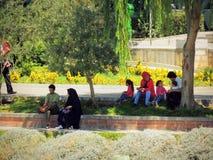 Ricreazione iraniana al parco a Ispahan Fotografie Stock Libere da Diritti