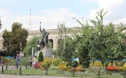 Rid- monument till hetmanen royaltyfri bild
