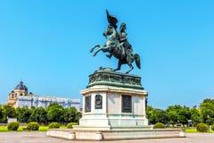 Rid- statyärkehertig Charles i Wien, Österrike Royaltyfria Foton