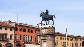 Rid- staty av Gattamelata av Donatello Royaltyfria Bilder