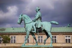 Rid- staty av kristen IX nära den Christiansborg slotten, Co Royaltyfri Foto