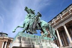 Rid- staty i Buda Castle, Budapest royaltyfri foto