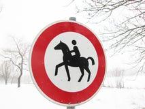 Rida inte tillåtet tecken (1) Fotografering för Bildbyråer