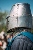 Riddaredeltagare av festivalen av medeltida kultur Arkivbild