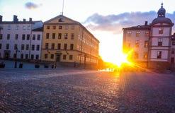 Riddarholmen et ses châteaux dans le coucher du soleil Photographie stock