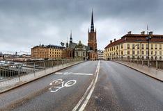 Riddarholmskyrkankerk in de Oude Stad van Stockholm (Gamla Stan) Stock Foto's