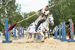 Ridder op het paard Royalty-vrije Stock Afbeeldingen
