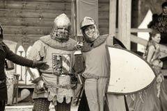 Ridders in pantser bij de historische festivalfoto's in sepia Royalty-vrije Stock Foto