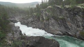 Ridderspranget gwałtowni w rzecznym Sjoa, Norwegia zdjęcie wideo