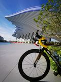 Ride†‹bicycle†‹on†‹weekend†‹in†‹Bangkok†‹ στοκ φωτογραφία με δικαίωμα ελεύθερης χρήσης