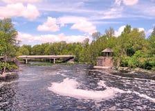 Rideau canale Manotick ponte maggio 2008 immagine stock