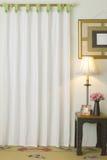 Rideau dans la salle de séjour Image stock