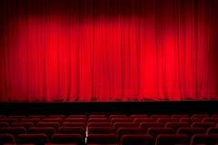 Rideau dans le théâtre Photographie stock libre de droits