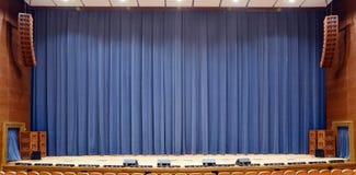 Rideau en théâtre photographie stock libre de droits