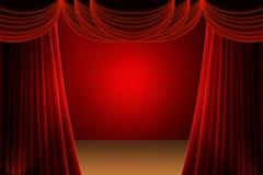 Rideau rouge en étape Images stock