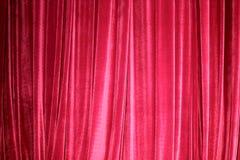 Rideau rouge en étape fermé Photo stock