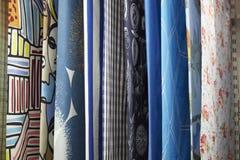 Rideaux colorés mous avec différents modèles à vendre Images libres de droits