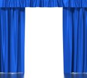 Rideaux en soie bleus avec la jarretière d'isolement sur le blanc Image libre de droits