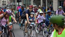 RideLondon som cyklar händelsen - London 2015 Arkivbilder