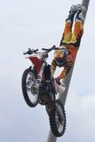 Rider El blödes Miralles FMX-Freistil Stockbild