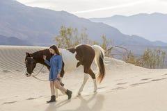 Rider And Her Horse femminile Fotografia Stock Libera da Diritti