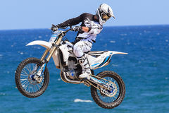 Rider Remi Bizouard Stile libero di FMX Barcellona estrema 2014 Fotografia Stock