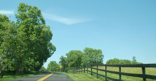Ridge Appalachia Open Road - Boyce Virginia blu fotografia stock