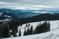 Ridge Montenegro dans les nuages pendant le matin Images libres de droits