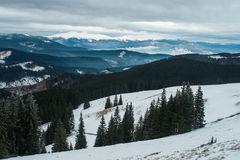 Ridge Montenegro en las nubes por la mañana imágenes de archivo libres de regalías