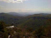 Ridge Mountain azul en el hombre solo de la garganta de Linville Fotografía de archivo libre de regalías