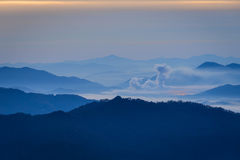 Ridge Mountain Valley Sunrise blu Fotografia Stock
