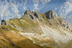 Ridge Rock Formation no Picos De Europa Espanha sem o céu Foto de Stock