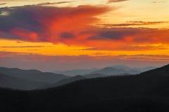 Ridge Sunset azul excitante foto de stock